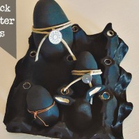 Μαύρα πασχαλινά αυγά με σχοινί και μέταλλο